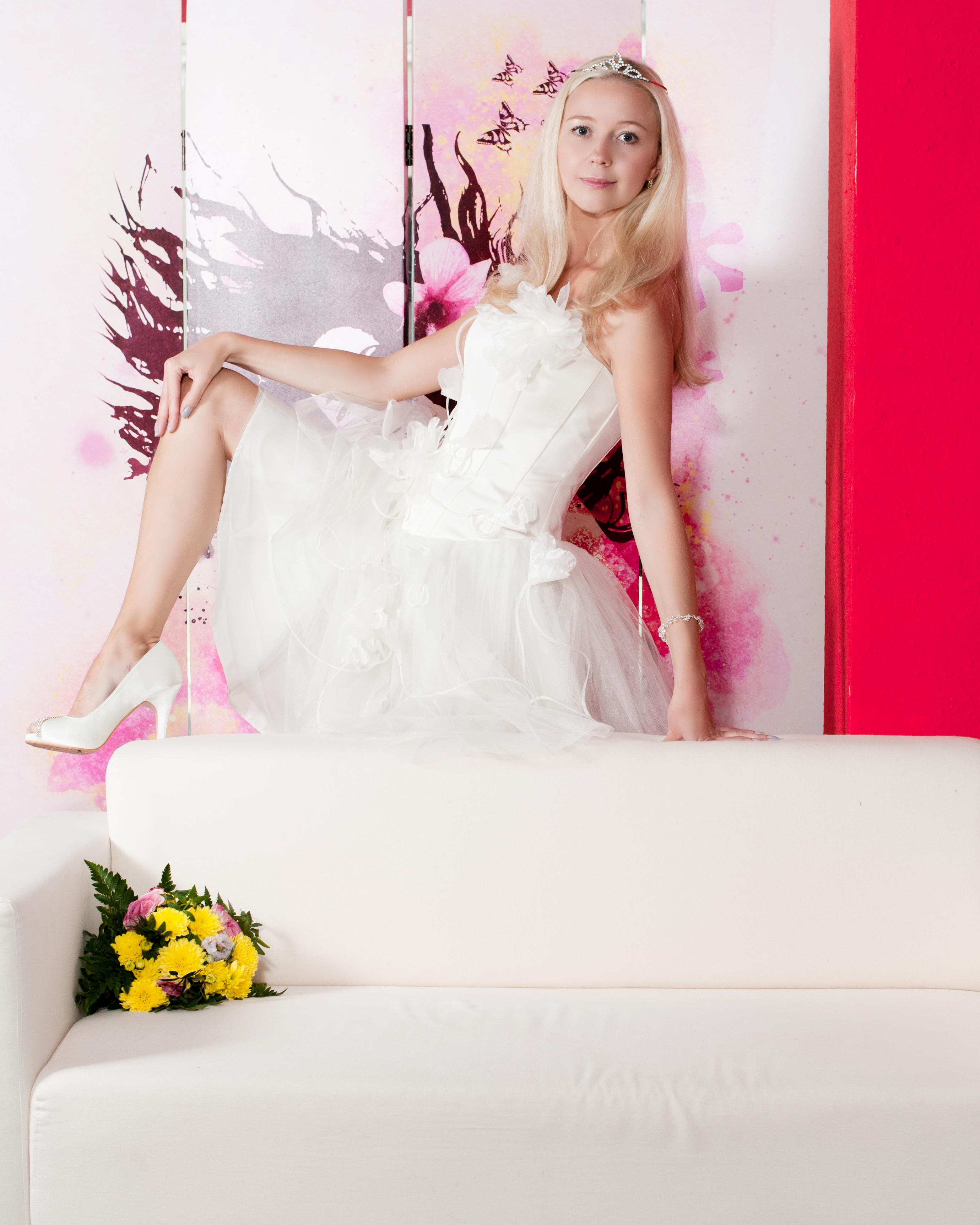 Berühmt Brautkleid Verleih Mn Fotos - Brautkleider Ideen - cashingy.info