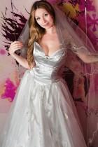 Brautkleid mit Swarovski Strasssteine