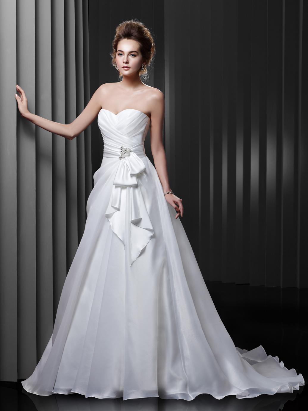 Brautkleid Enzoani A-Linie mit Schleife