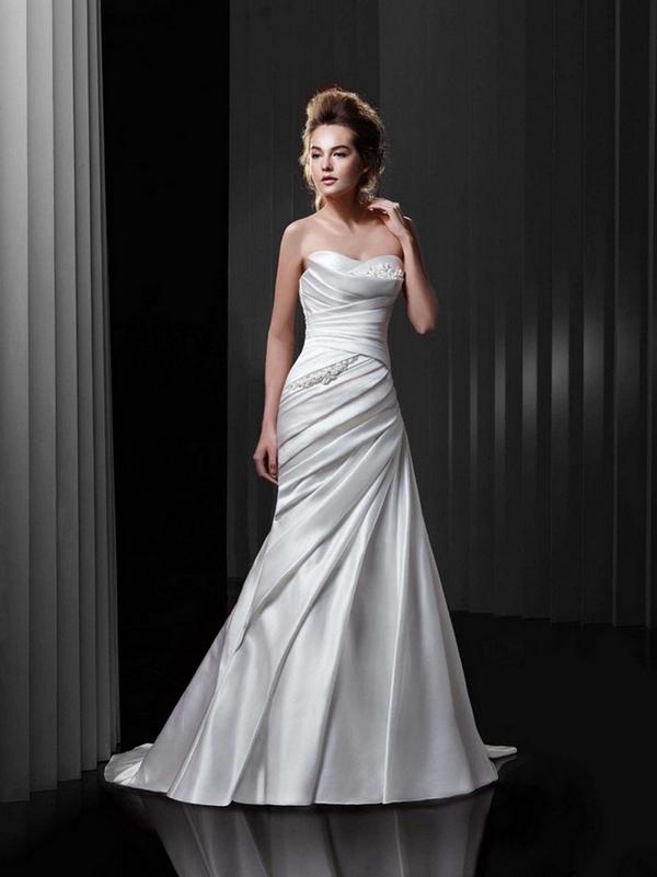 Brautkleid mit Drapierung Enzoani