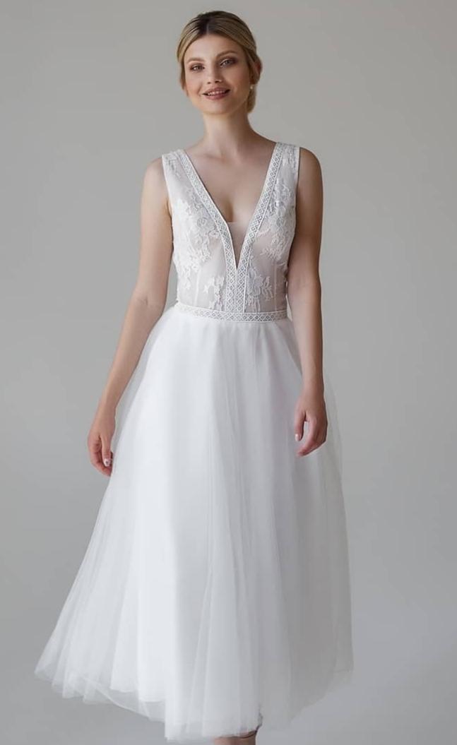 Kurzes weißes Brautkleid